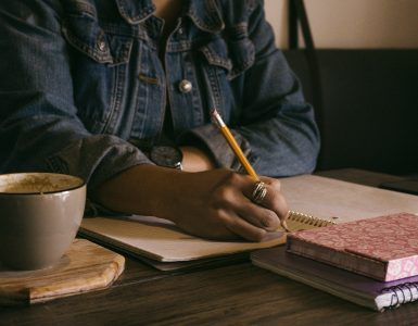 Creative writing vs content writing - Copify blog 4