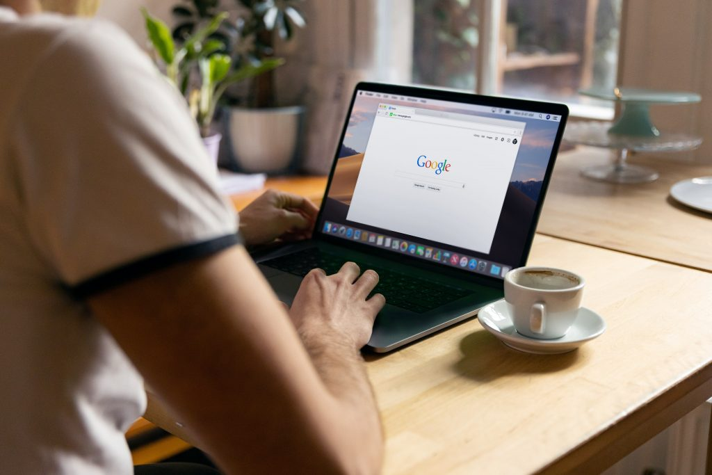 User searching on Google - Is PPC inbound or outbound marketing - Copify blog 4